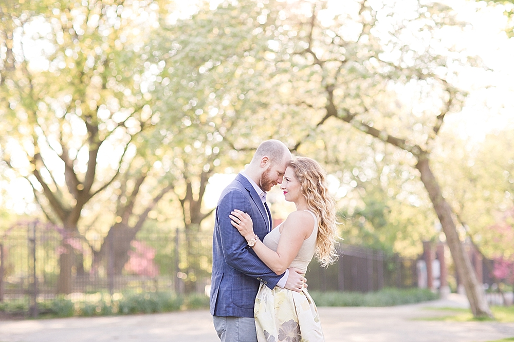 Engagement, Chicago Engagement Session, engagement photographer, wedding photographer, chicago wedding photographer, maria harte photography, chicago wedding photographer,